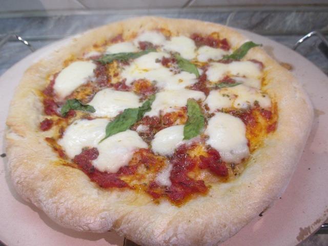 Pizza otthon sütve