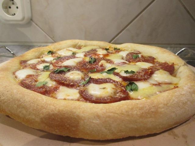 Szalámis pizza 1