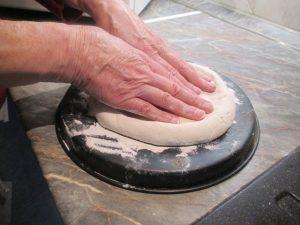 Pizzatészta formázása 1