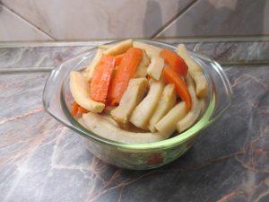Főtt zöldségek kiszedve